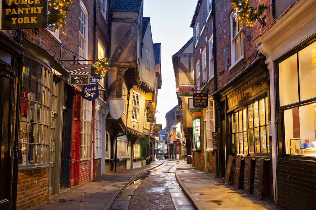the best Chrismtas shopping cities in the UK