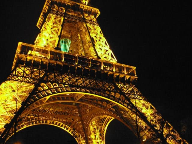 Eiffel Tower on GlobalGrasshopper.com