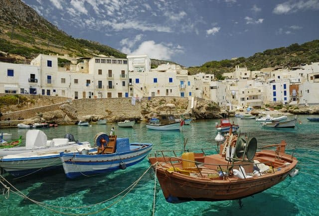 10 of the most beautiful places to visit in Italy, Sicily on GlablaGrasshopper.com