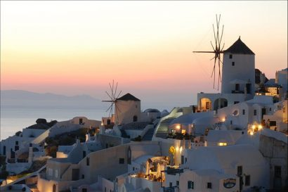 Oia, Santorini - most beautiful places to visit in Greece on GlobalGrasshopper.com