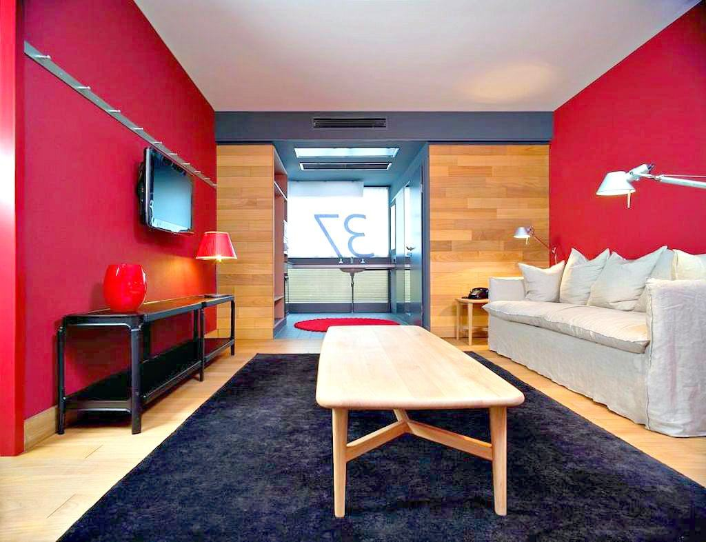 Always a lover of the Camper shoes I decided to give the hotel chain a try  and I have to say I was impressed! Casa Camper Berlin is ultra  contemporary, ...