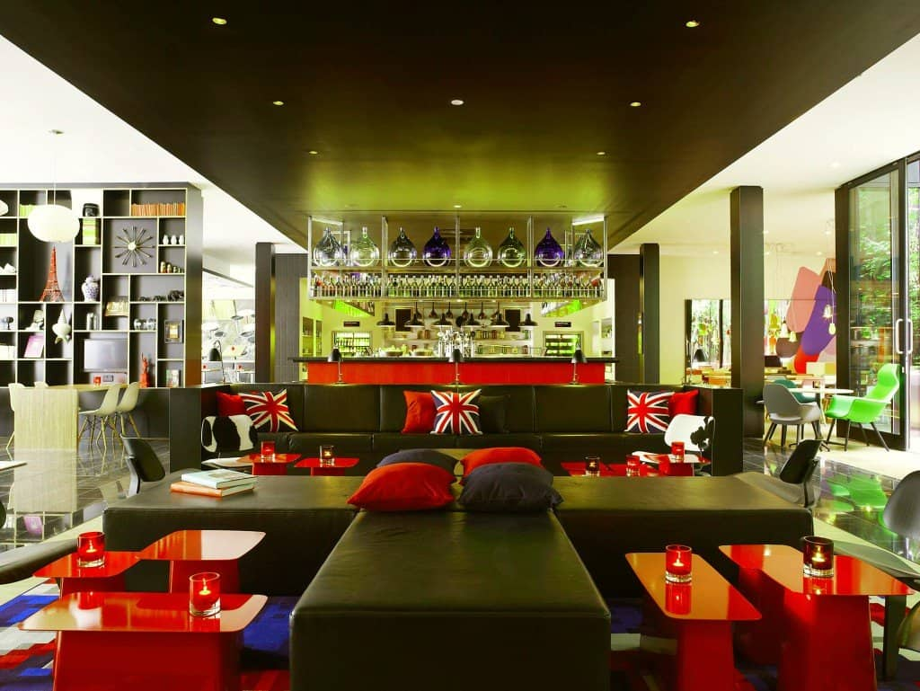 CitizenM Hotel London - fun, funky and full of colour