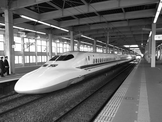 Trains, Japan, on GlobalGrasshopper.com