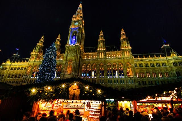 Vienna at Christmas on GlobalGrasshopper.com