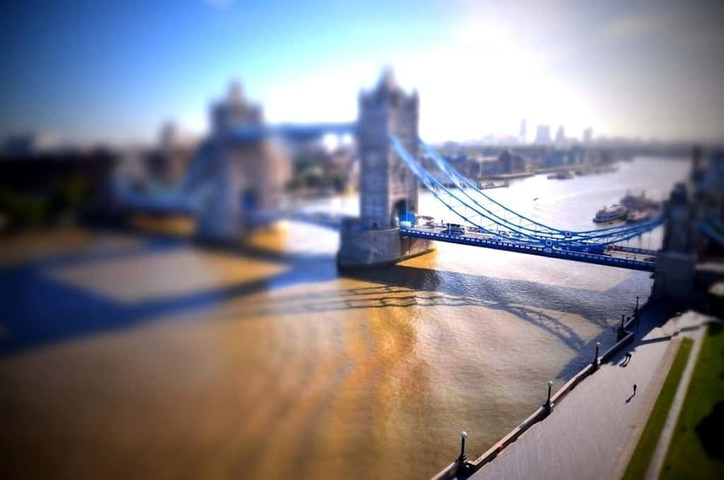 Tower Bridge - tilt shift photography on GlobalGrasshopper.com