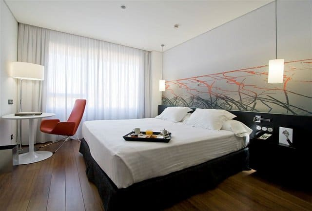 Axor Feria Hotel - a cool and contemporary glass-fronted airport hotel