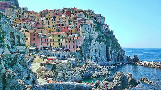 Romantic travel destinations, Manarola, Italy on GlobalGrasshopper.com
