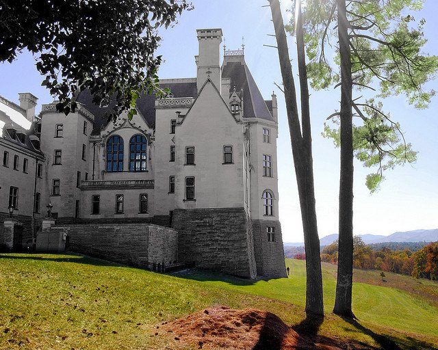 Biltmore house asheville spooky places usa on for Is biltmore estate haunted