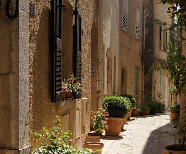 Grasse, places to visit in France on GlobalGrasshopper.com