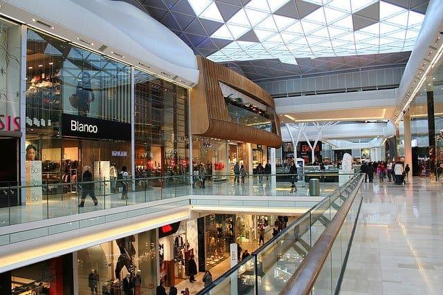 Westfields, shopping in London on GlobalGrasshopper.com