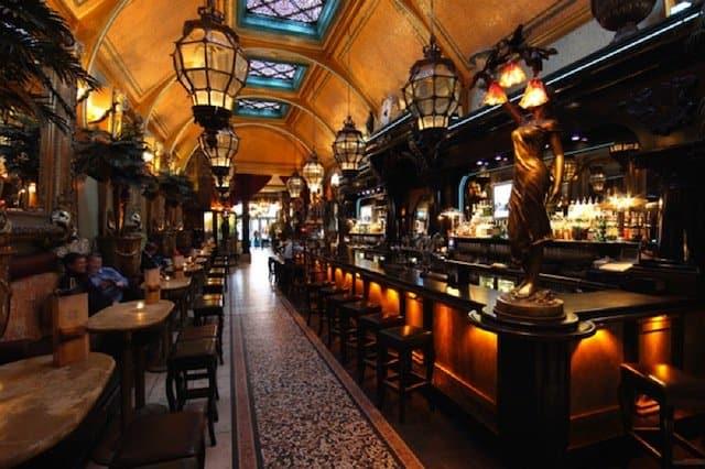 Café en Seine - best bars in Dublin on GlobalGrasshopper.com