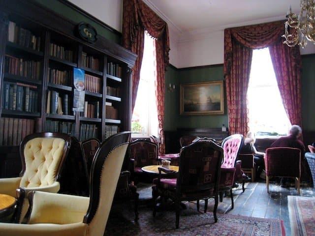 Library Bar - best bars in Dublin on GlobalGrasshopper.com