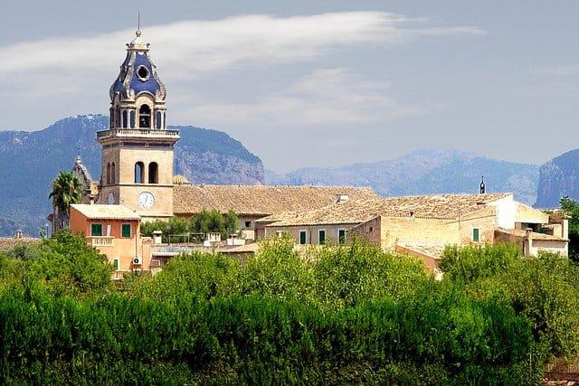 Santa Maria del Cami, Majorca on GlobalGrasshopper.com