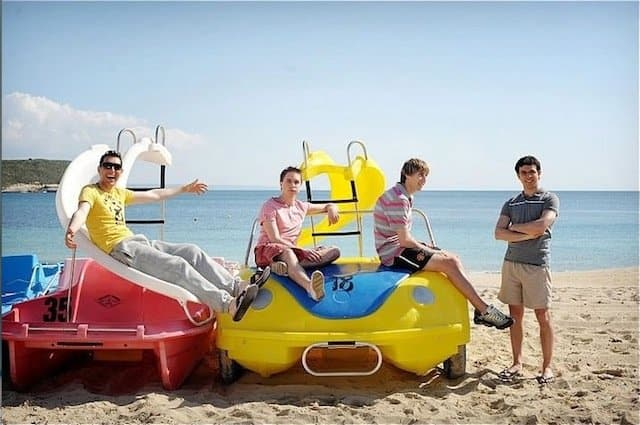 Inbetweeners Movie - movies that make you want to travel on GlobalGrasshopper.com