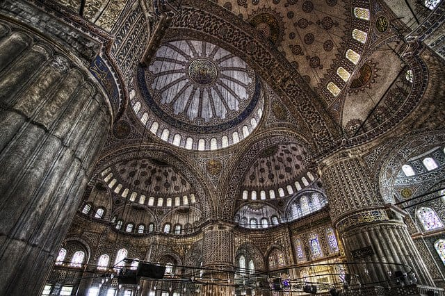 Sultan Ahmed Mosque - beautiful attractions in Istanbul on GlobalGrasshopper.com