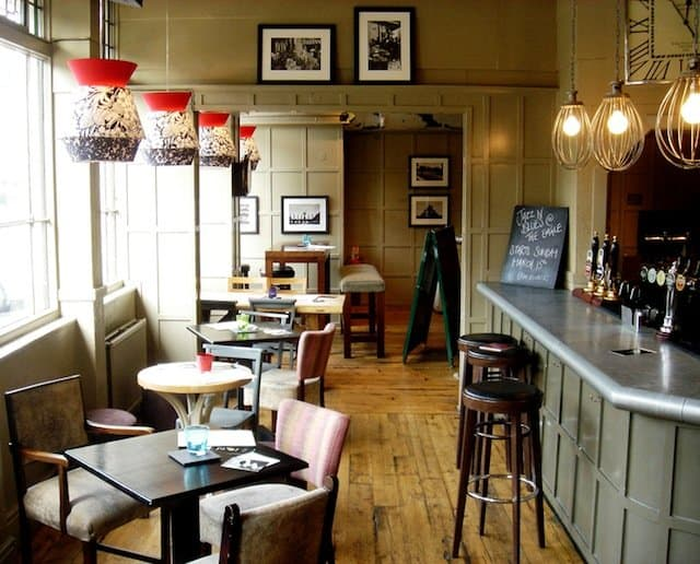 The Eagle - Best pubs in London on GlobalGrasshopper.com