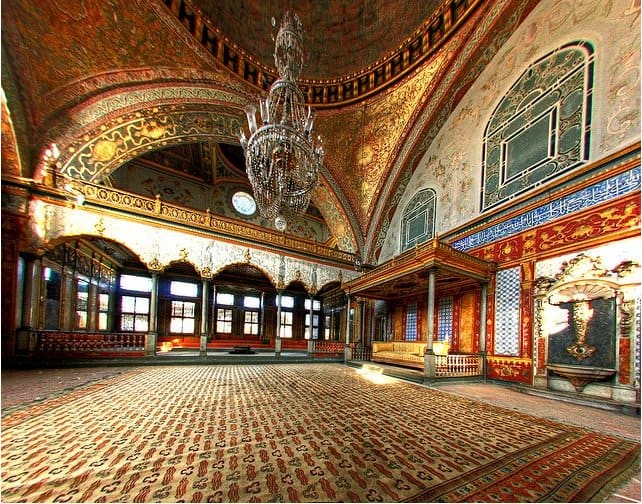 Topkapi Palace - beautiful attractions in Istanbul on GlobalGrasshopper.com