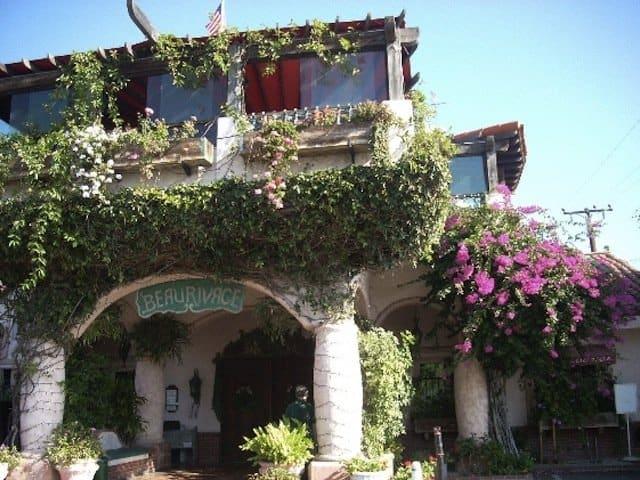 Dining in Malibu - Beau Rivage on GlobalGrasshopper.com