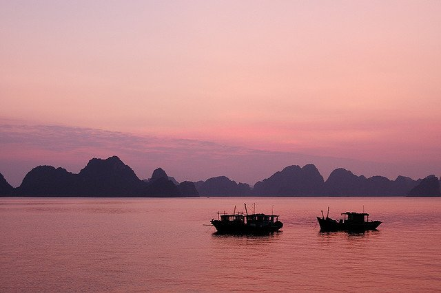 Places to visit in Vietnam - Halong Bay on GlobalGrasshopper.com