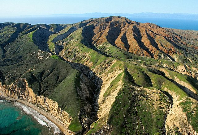 Romantic things to do in California - Santa Cruz Island on GlobalGrasshopper.com