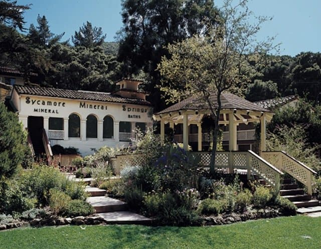 Romantic things to do in California - Sycamore Mineral Springs on GlobalGrasshopper.com