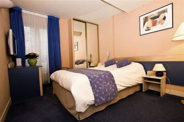 Hotel Champerret Heliopolis - Budget hotels in Paris on GlobalGrasshopper.com