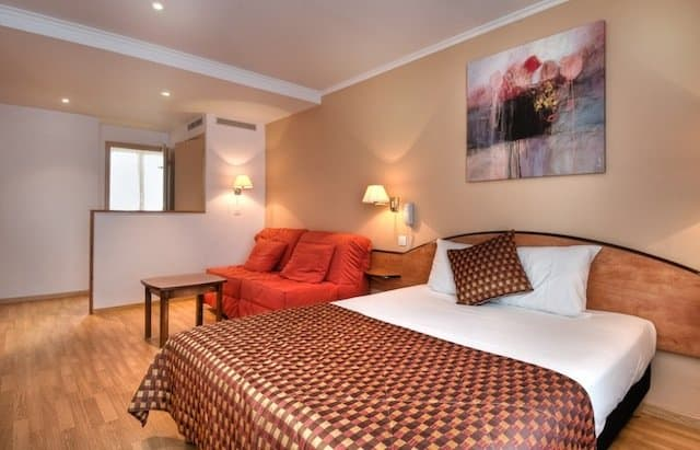 Hotel Home Moderne - Budget hotels in Paris on GlobalGrasshopper.com