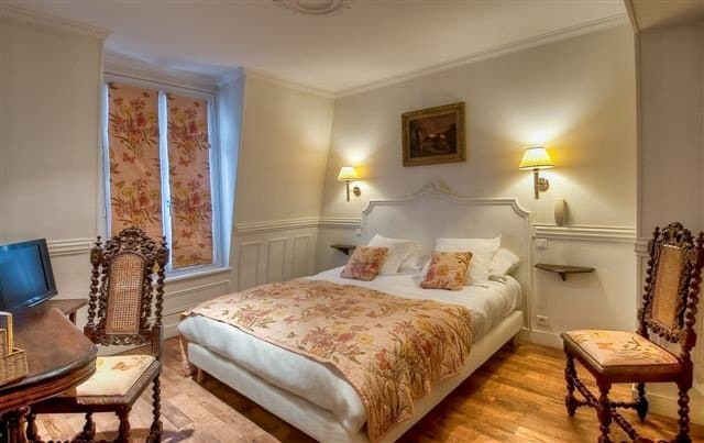 Hotel de la Porte Doree - Budget hotels in Paris on GlobalGrasshopper.com
