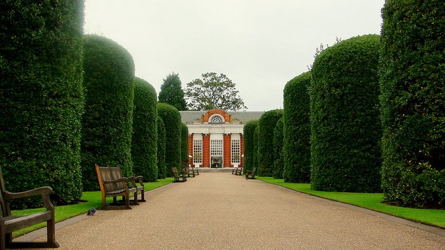 Kensington Palace Gardens - green spaces in London on GlobalGrasshopper.com
