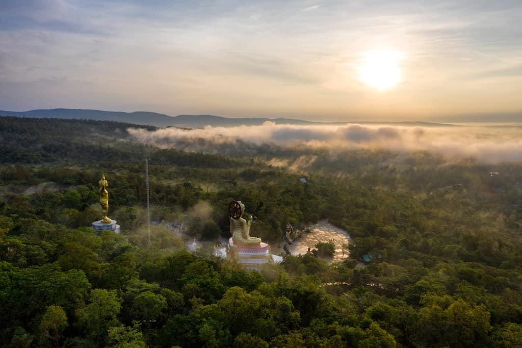 Tham Kong Lo = beautiful places Laos
