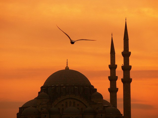 Istanbul - beautiful sunsets on GlobalGrasshopper.com
