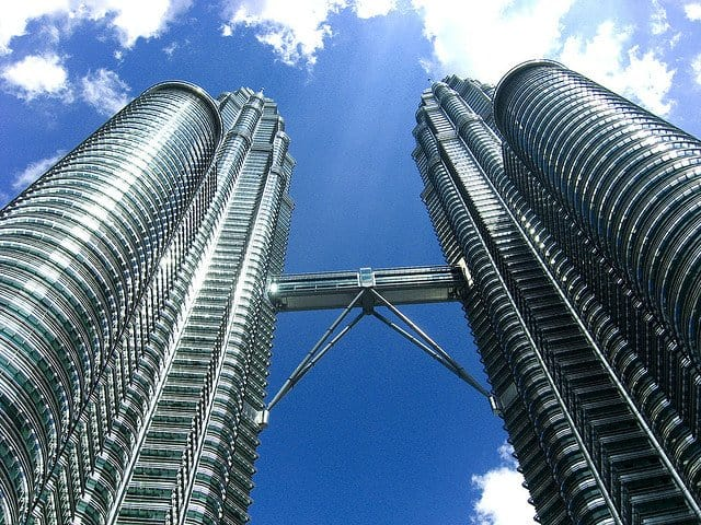 Petronas Towers - world's tallest buildings on GlobalGrasshopper.com