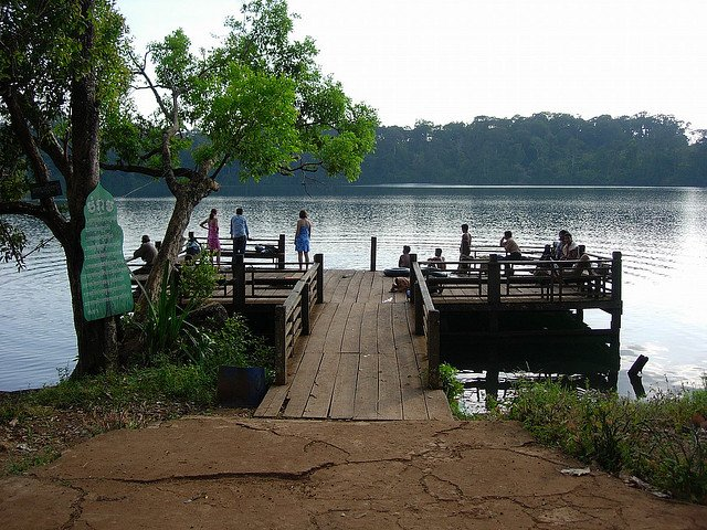 Crater Lake Cambodia - exploring Cambodian wilderness on GlobalGrasshopper.com