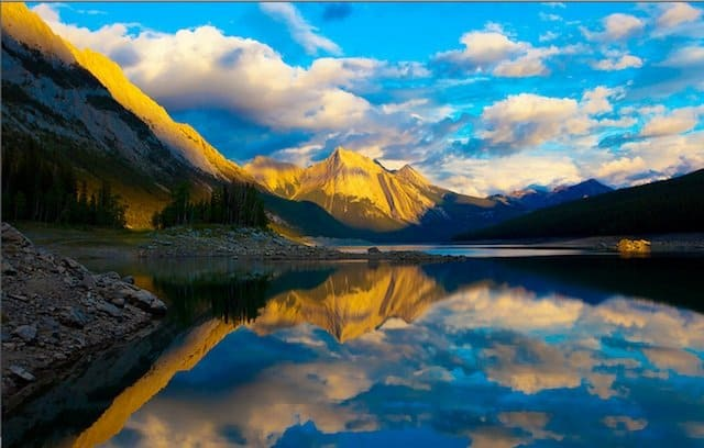 Jasper National Park - Places to visit in Canada on GlobalGrasshopper.com