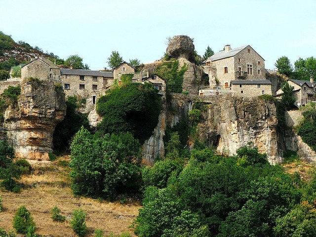 Le Val de Cantobre - beautiful campsites in Europe on GlobalGrasshopper.com