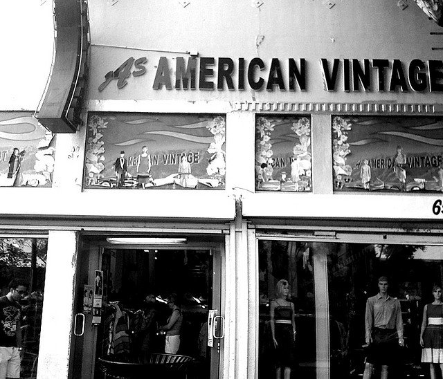Vintage Store Melrose Avenue - 10 cool things to do in Los Angeles on GlobalGrasshopper.com