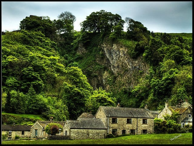 Castleton - 10 of the prettiest English villages on GlobalGrasshopper.com