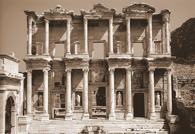 Ephesus - places to visit in Turkey on GlobalGrasshopper.com