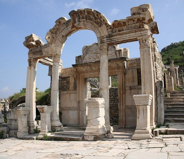Temple of Hadrian - places to visit in Turkey on GlobalGrasshopper.com