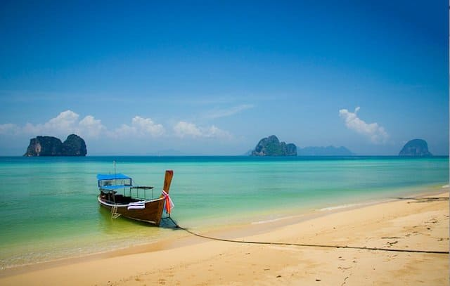 Ko Ngai - most beautiful islands in Thailand on GlobalGrasshopper.com