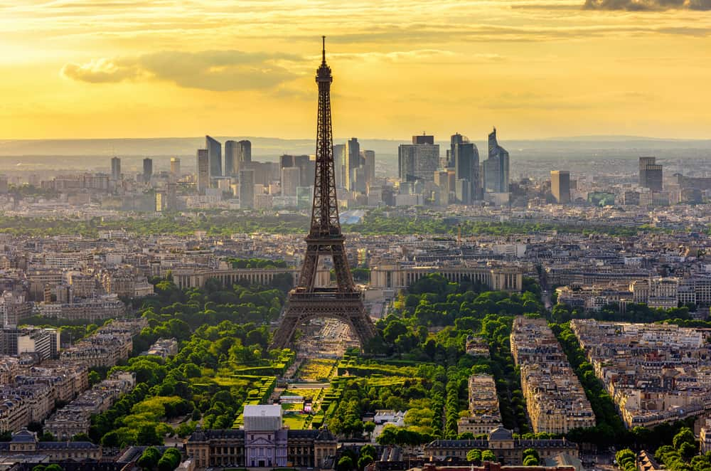 Beautiful Paris skyline