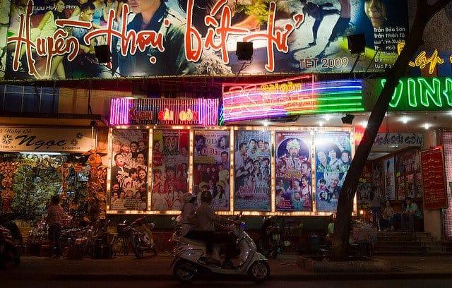 Saigon nightlife - Life in Ho Chi Minh City on GlobalGrasshopper.com