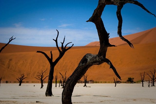 Sossusvlei red dunes Namibia - unusual natural landscapes on GlobalGrasshopper.com