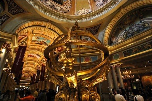 Ventian Hotel Lobby Las Vegas - unusual hotel lobbies on GlobalGrasshopper.com