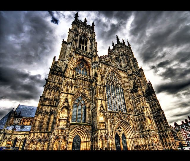 York Minster - places to visit in England on GlobalGrasshopper.com