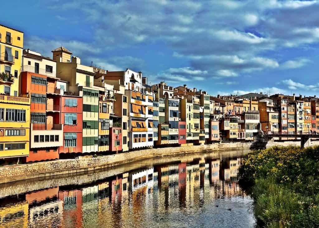 Girona pretty waterfront houses on GlobalGrasshopper.com