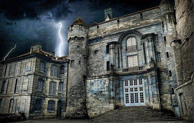 Chateau De La Roche Guyon - Halloween events on GlobalGrasshopper.com