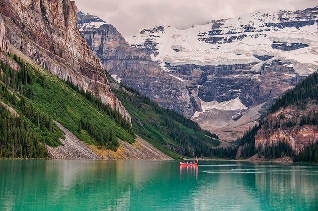 Lake Louise - the most beautiful places to visit in Canada on GlobalGrasshopper.com