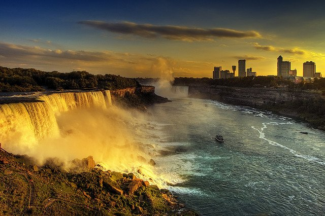 Niagara Falls - most beautiful places to visit in Canada on GlobalGrasshopper.com