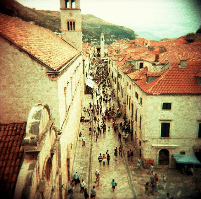 Placa Dubrovnik - picturesque shopping streets on GlobalGrasshopper.com